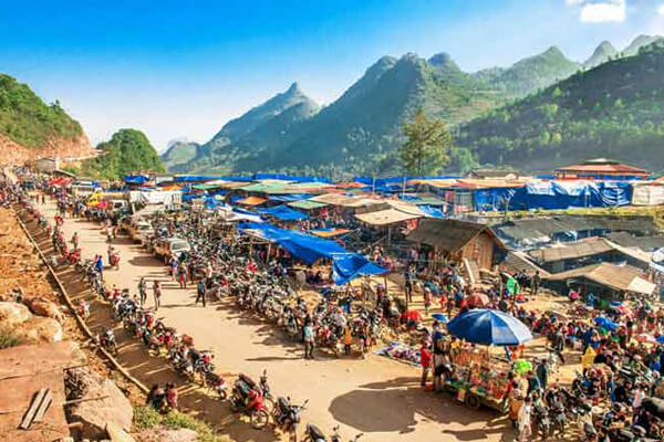 Can Cau Market, Vietnam tours vactions