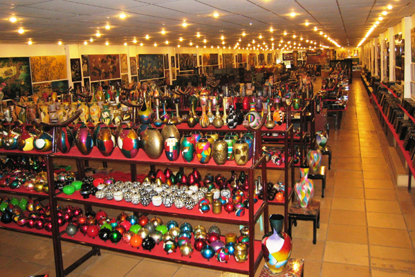 Vietnamese lacqueware store