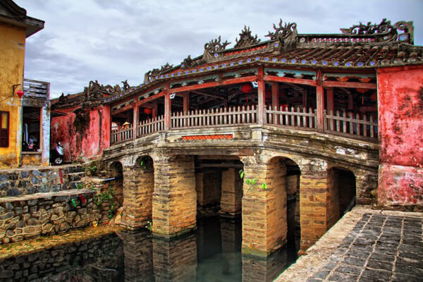 Japanese cover bridged in Hoi An, Tour to Vietnam