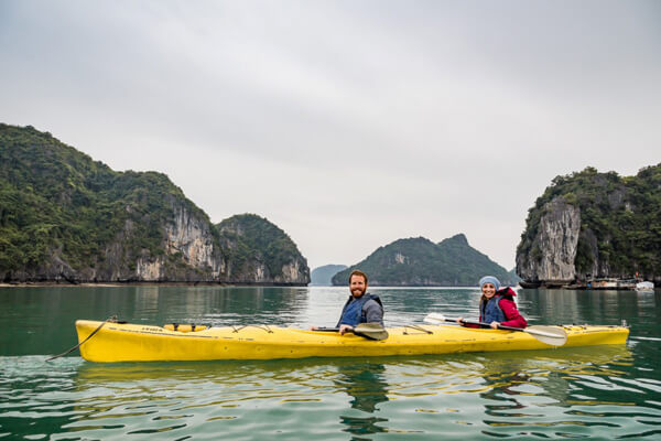 Kayaking in Ha Long, Vacation in Vietnam