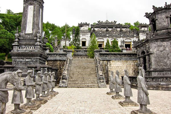 Khai Dinh Tomb, Vacation in Vietnam