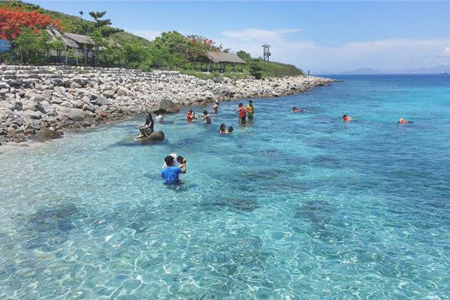 Nha Trang Beach, Family Tour in Vietnam