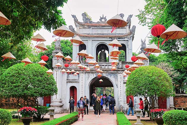 temple of literature, Vietnam family tours