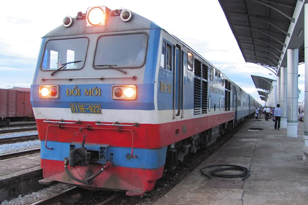 Take a train in Vietnam and how to make it convenient - Go Vietnam Tours
