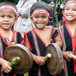 Local kids are taught about Gongs culture