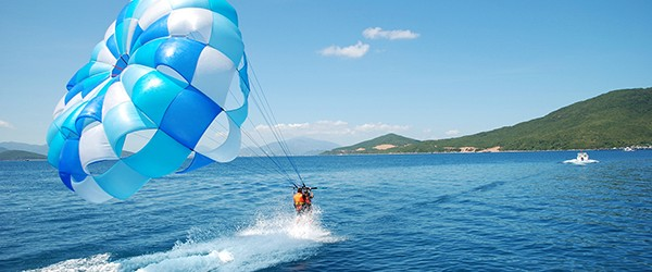 Sport activities in Nha Trang beach