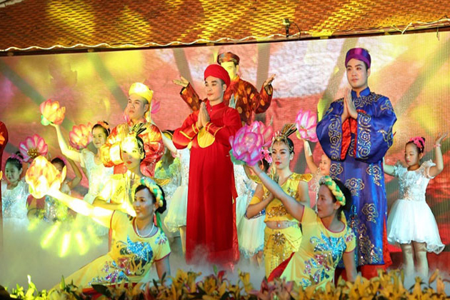 chau van vietnamese traditional music, Vietnam local tour package