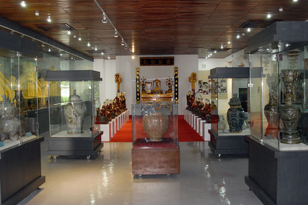 national museum of vietnamese history hanoi tours