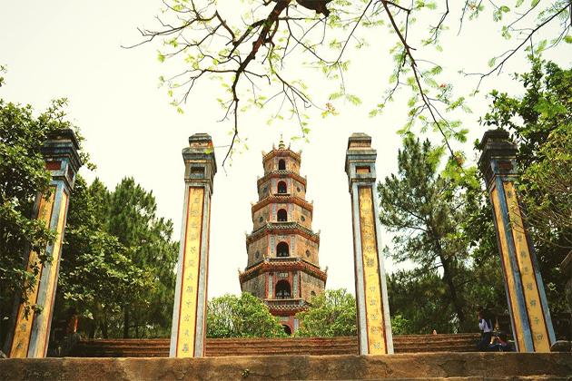 thien mu pagoda hue tours