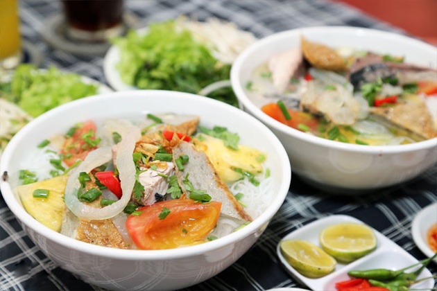 noodle soup with jellyfish nha trang tours