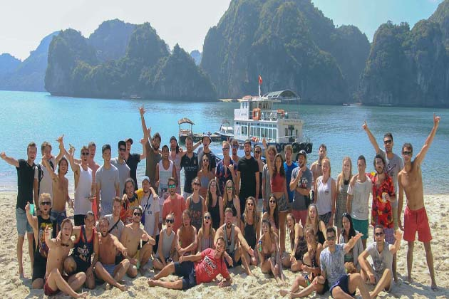 All About SIC Tours & the Differences from Private Tours