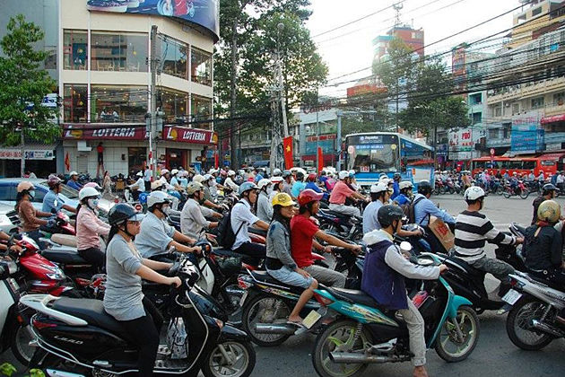 reality of vietnam traffic vietnam tour
