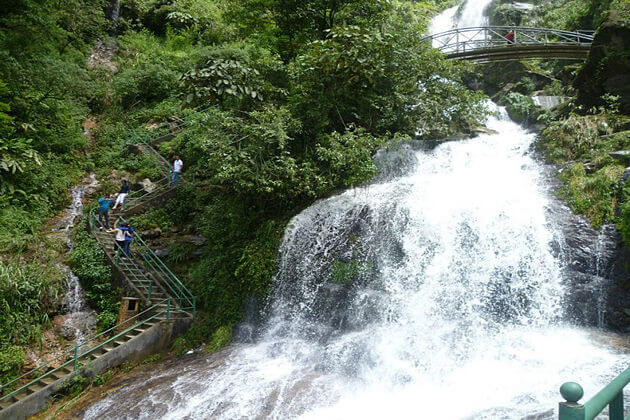 Silver waterfall in SaPa, Vietnam tour packages