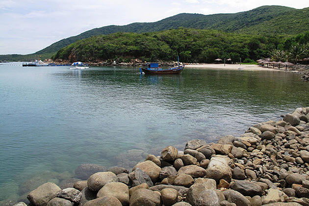 Best Things to Do & See in Hon Tre Island, Nha Trang