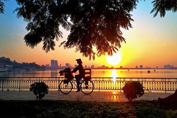 West Lake, Vietnam Local Tour Travel