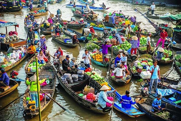 Cai Rang floating market, Vietnam vacation