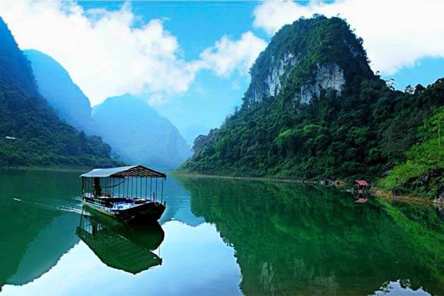 Thang Hen Lake, Vietnam tour packages