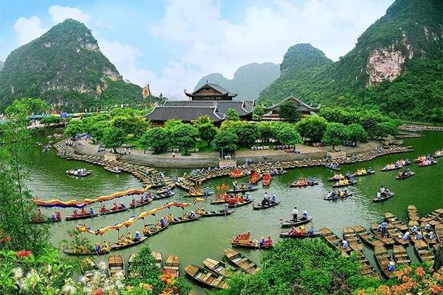 Trang An, Vietnam Tours
