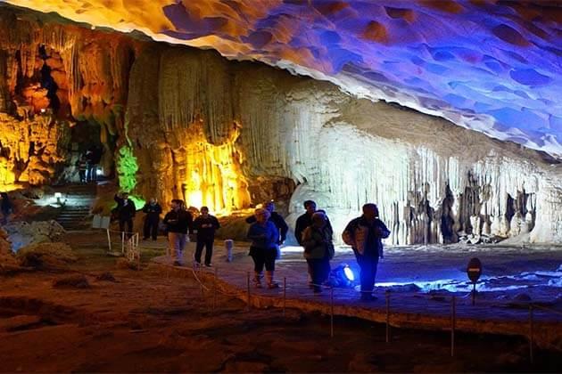 Sung Sot caves, Vietnam Trips