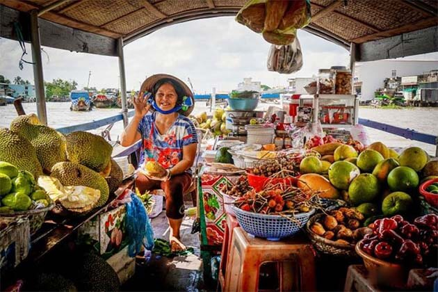 Cai Rang Floating market , Vietnam local tours