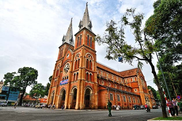 Christmas at Notre-Dame Cathedral in Ho Chi Minh, Vietnam Tour