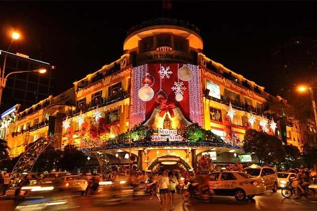 Christmas Day in Hanoi Street, Vietnam Christmas Holidays