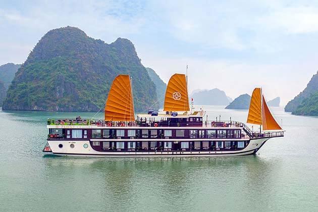 Christmas on HaLong Bay, Vietnam Trips