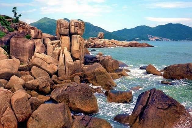 Hon Chong Beach, Vietnam Tours