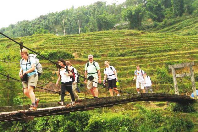 estential guide in Vietnam adventure tour