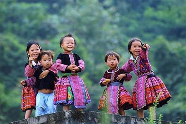 Hua Khat ethnic minority, Vietnam Adventure Tour