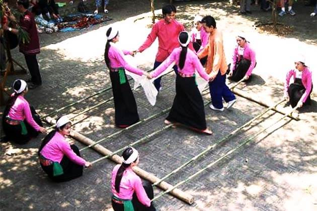 Muong ethnic people, Vietnam local tour packages