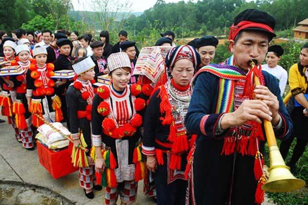 Vienam ethnic groups, local tour in Vietnam