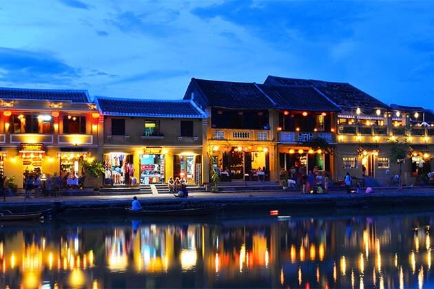 Hoi An at night, Vietnam Trips