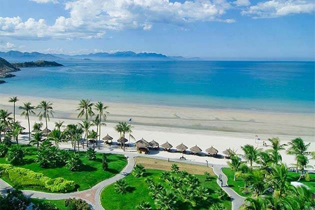 Nha Trang Beach, Honeymoon Travel in Vietnam